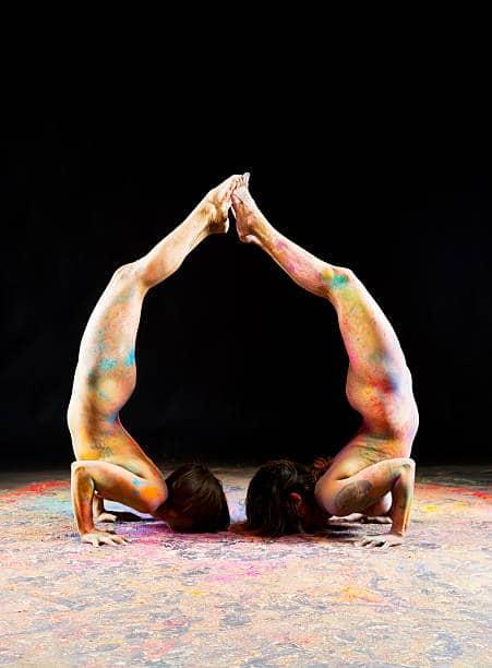 Yoga naturiste paris postures Instagram